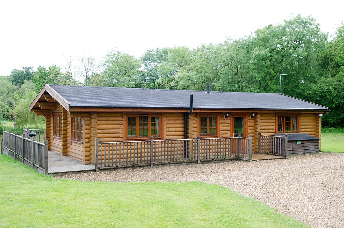 Poppy & Primrose Lodges - Stretton Lakes
